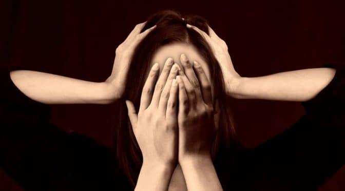 La pierre de soufre contre toutes les céphalées et migraines.